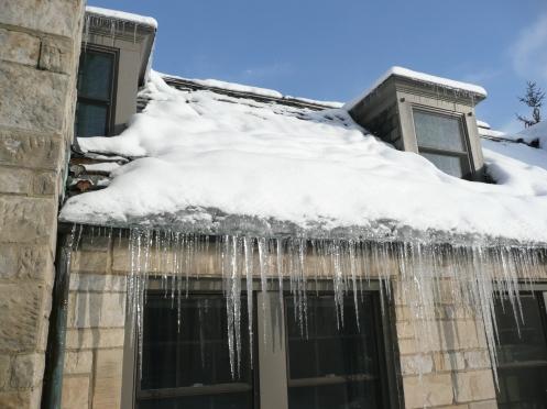 Ice_dam_slate_roof